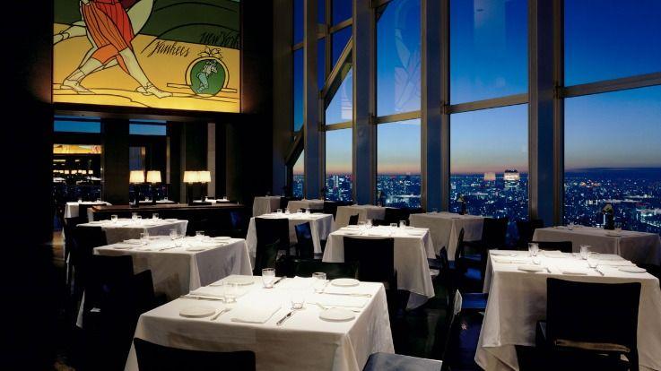 音楽に耳を傾けながら食事・お酒を楽しめる「パーク ハイアット 東京」