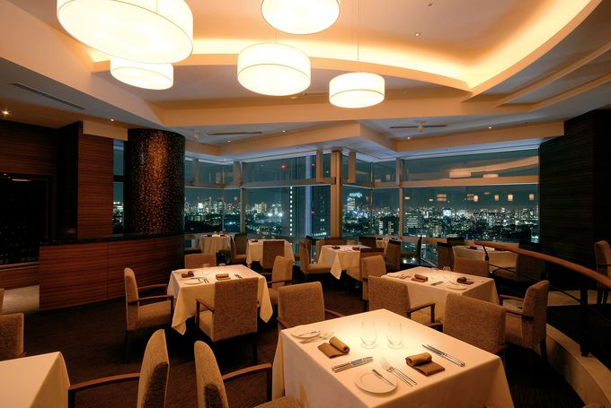 夜景を眺められるレストラン・バーが多い「小田急ホテルセンチュリーサザンタワー」