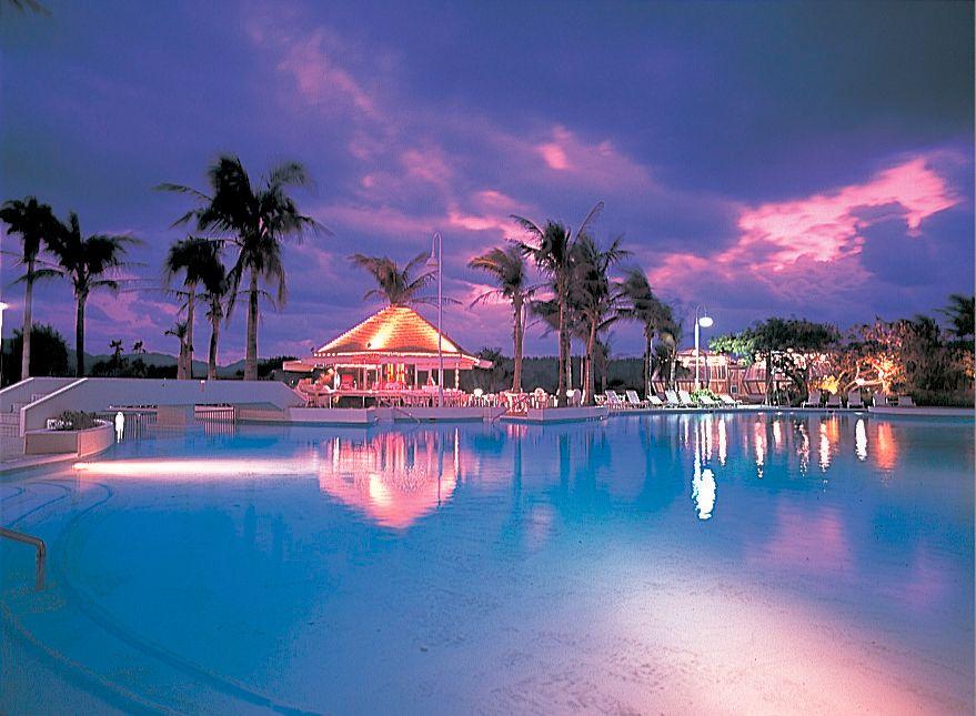 海を見渡す眺望が美しい「ANAインターコンチネンタル万座ビーチリゾート」