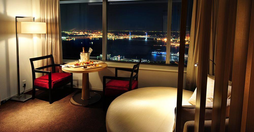高層ビルからの夜景が美しい「横浜ロイヤルパークホテル」