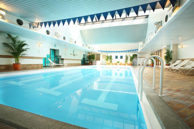 高層階フロアから絶景が広がりプールも楽しめる「ANAクラウンプラザホテル大阪」