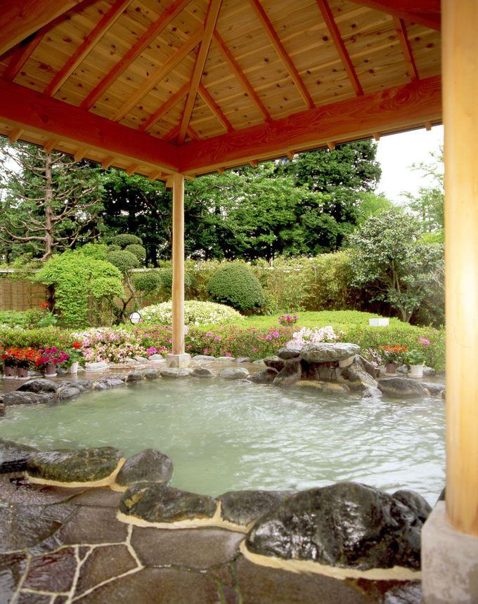 夕暮れの富士に見惚れる「パレスホテル箱根」