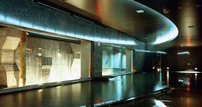 都会にいながら天然温泉を24時間満喫できる「すすきの天然温泉スパ・サフロ」