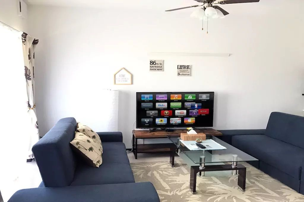 8.マンション最上階で50インチ大型テレビも/糸満市
