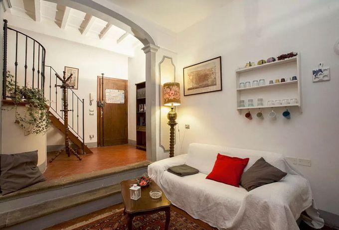 1600年代の建築を改装した伝統的なお部屋/フィレンツェ
