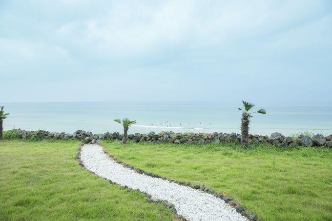 おしゃれカフェで海を眺めながらゆっくり