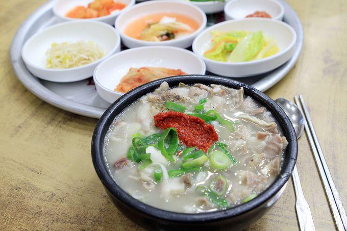 自分好みにして食べよう!釜山名物「デジクッパ」