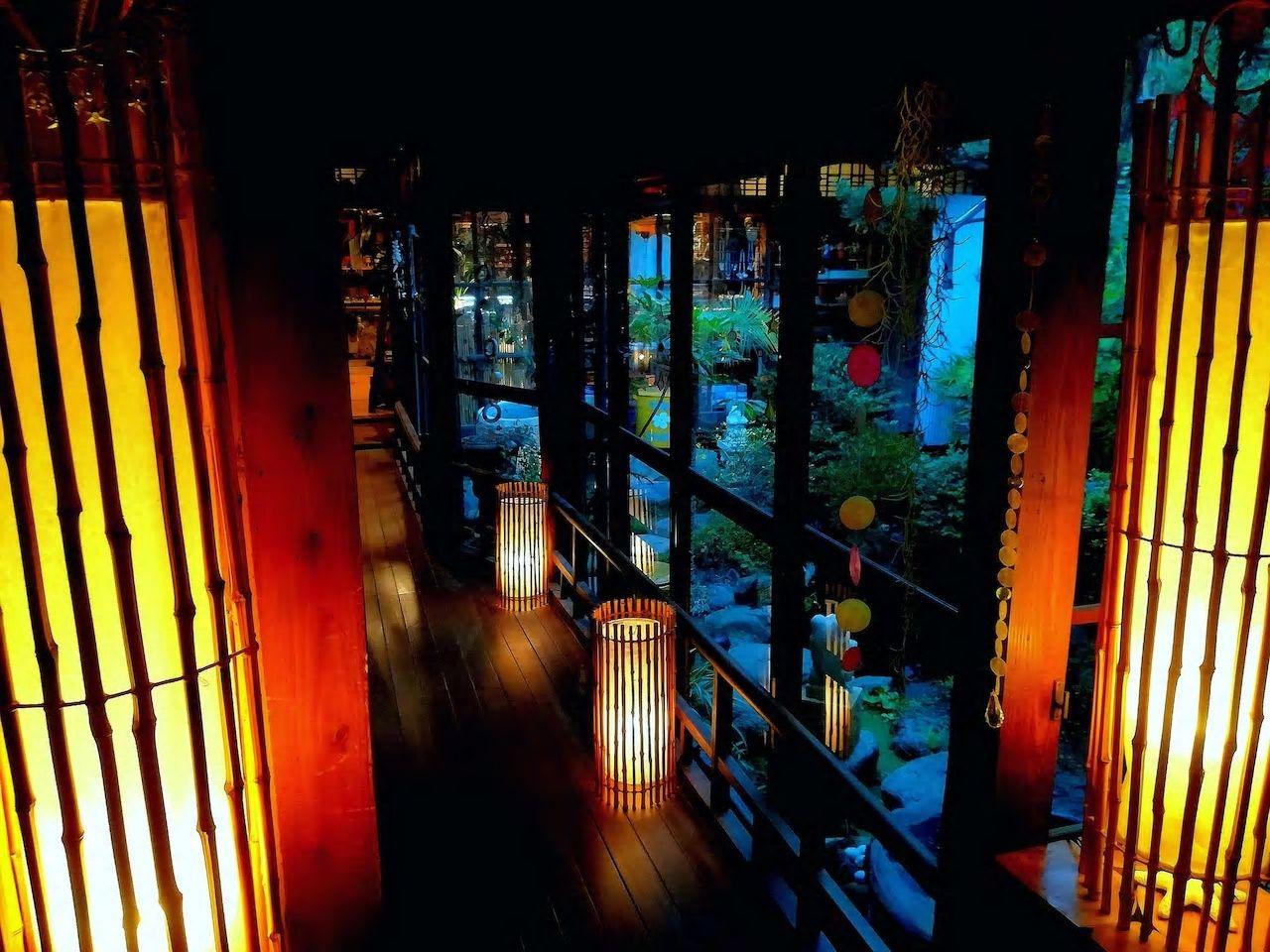 7.築100年の元旅館を南国風にリノベーション/松山市